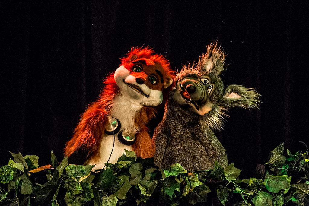 loup et renard de la forêt